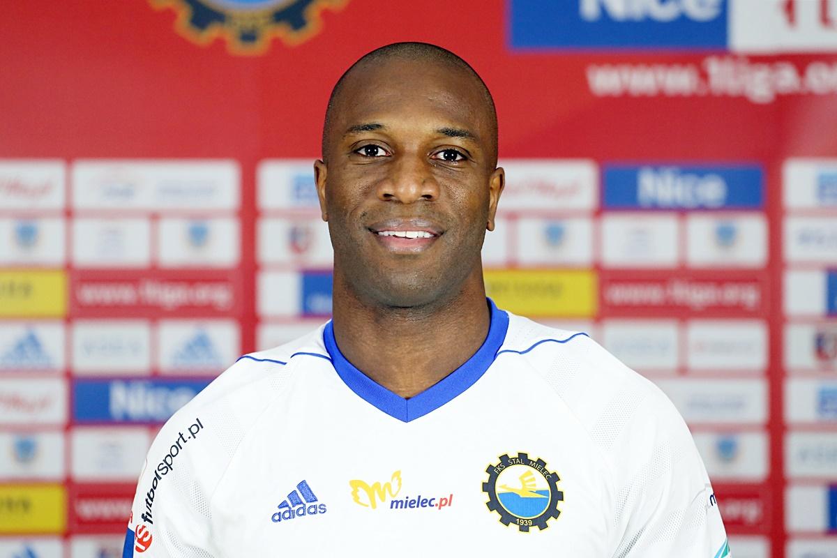 6. Leandro Messias Dos Santos 29.12.1983 183cm/77kg